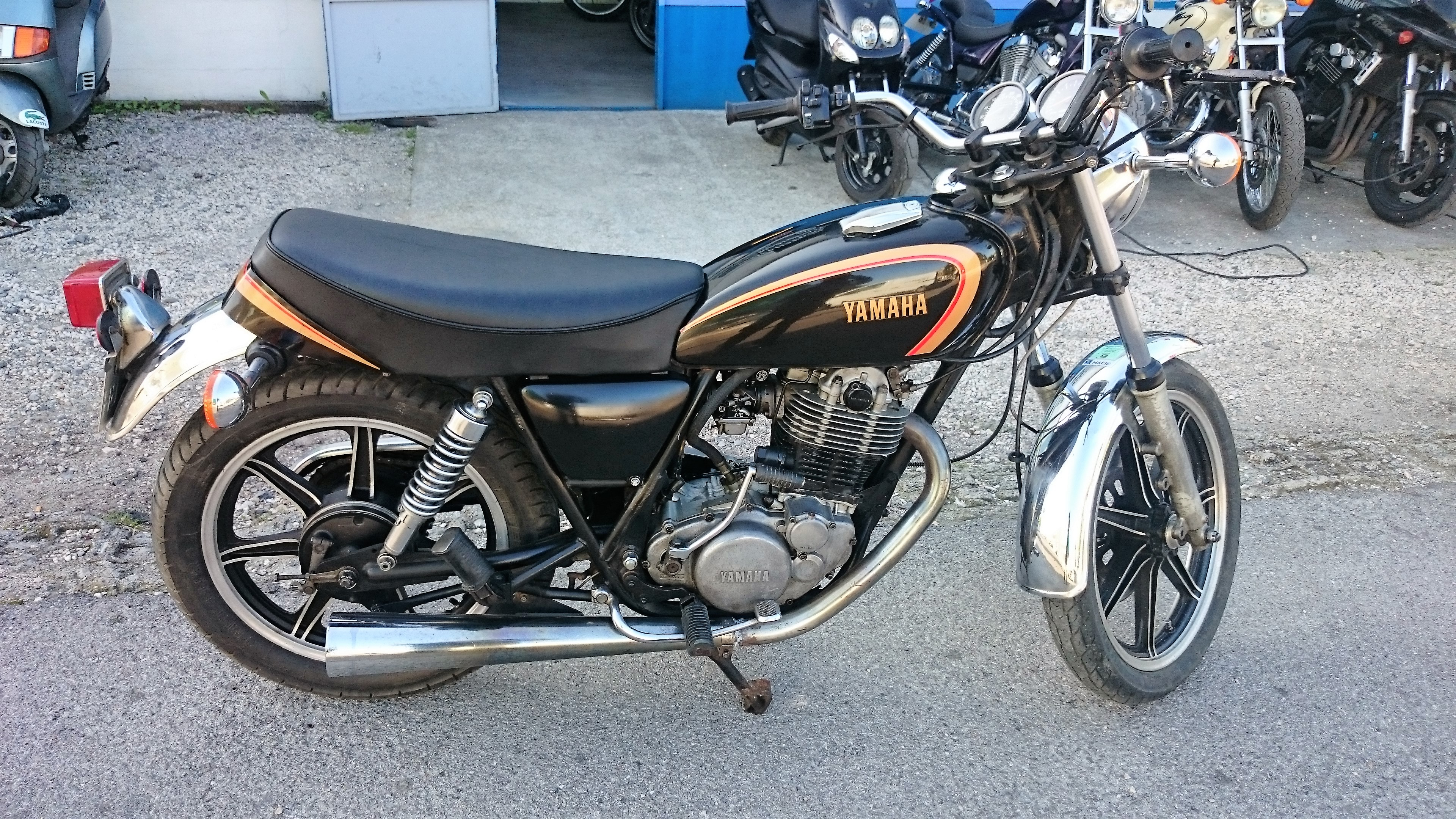 yamaha 500 sr yamaha team104 vente achat motos occasions vintage pi ces. Black Bedroom Furniture Sets. Home Design Ideas